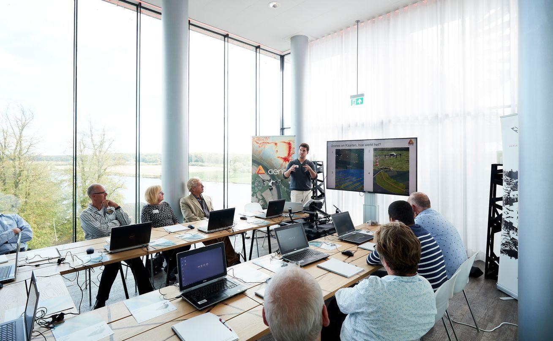 Vergadering in de unieke en inspirerende Van Merwijckzaal